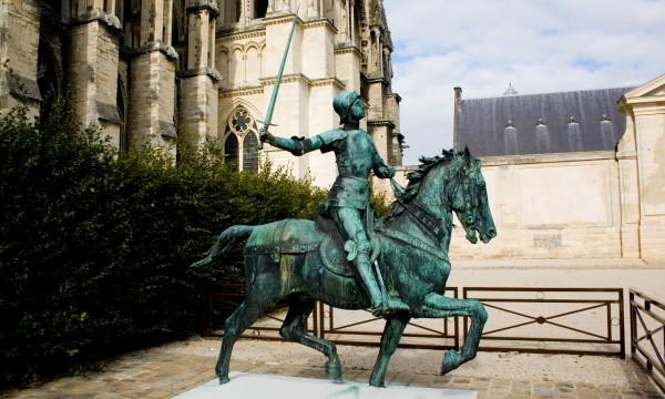 Statue_de_Jeanne_d'Arc_-_Reims