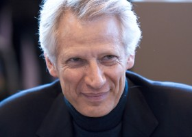 Dominique_de_Villepin_20100330_Salon_du_livre_de_Paris_4