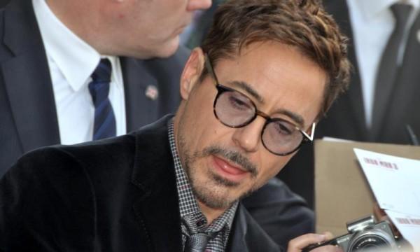 Robert_Downey_Jr_avp_Iron_Man_3_Paris_3