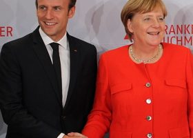 Macron et Merkel unis dans la destruction de l'Europe