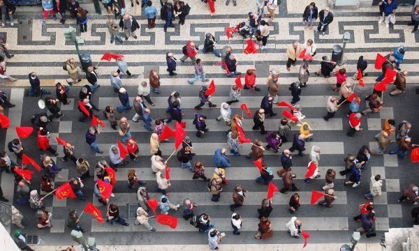 vente chaude vente au royaume uni sortie en vente Foulards rouges : chronique d'une imposture et d'un échec ...